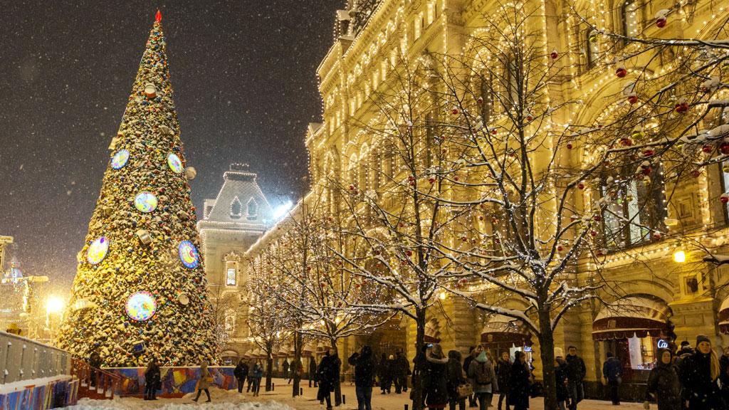 Тур в Москву из Саратова на Новый год