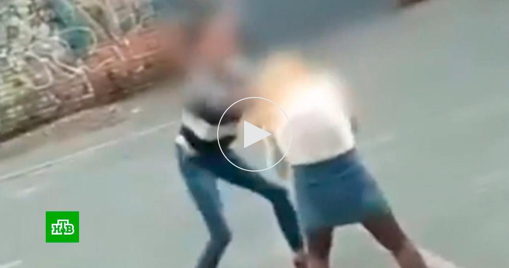 Смотреть Видео Порно Пьяных Школьниц